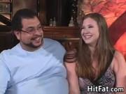 Мужчина нагло трахает жену при мужа