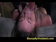 Секс машина жестоко тарабанят привязанную бабу
